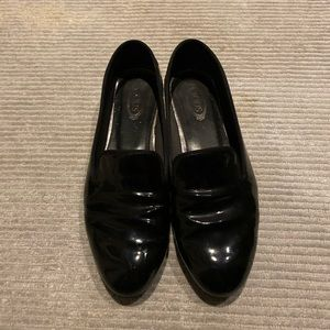 Tods black patent leather flats